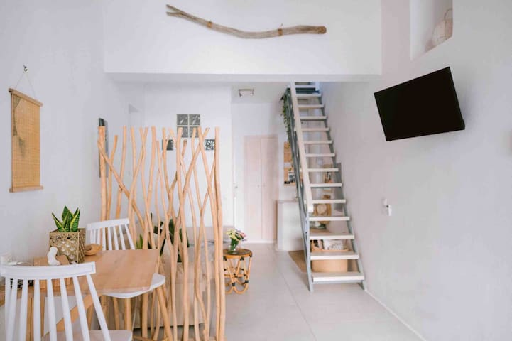 #traditional_cycladic_house #living_room #main_entrance #interior