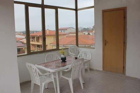 casa vacanze palazzo Cozza Piano II - Lejlighed