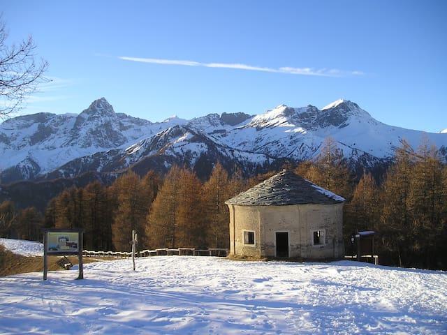 Casa di montagna ad Elva, in Valle Maira (CN). - Elva - บ้าน