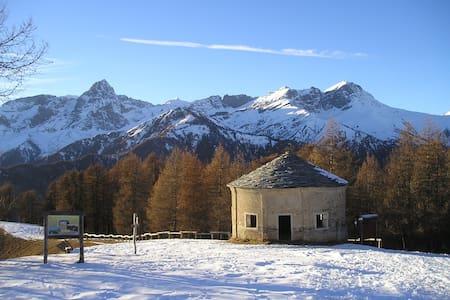 Casa di montagna ad Elva, in Valle Maira (CN). - Elva - Dom