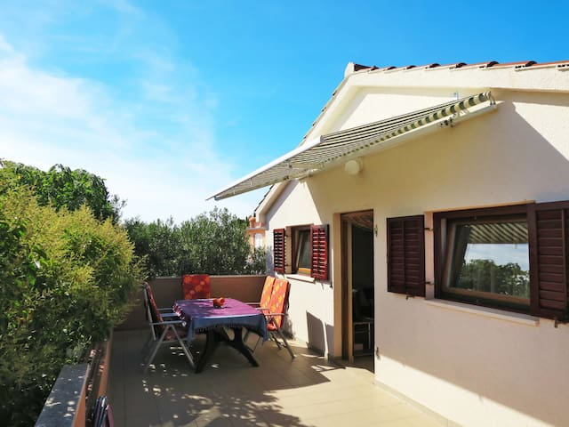 Holiday apartment with terrace, about 100m to the beach