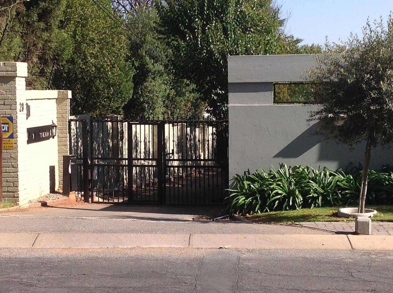 Entrance to 29 on Ormonde street property