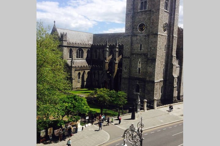 Modern 1 Bed Apt @ St. Patrick's Cathedral - Dublin - Apartment