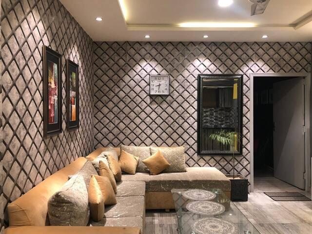 Kinz Hospitality- Designer Apartment A