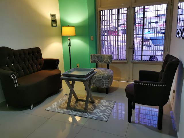 Conveniently & Clean Ground Floor Apartment