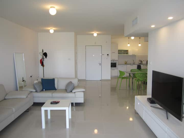 New Luxury apartment in Ra'anana/Kfar-Saba area