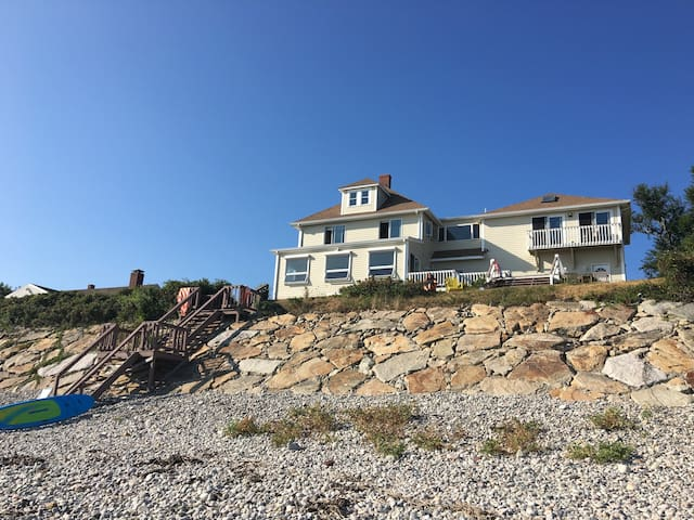 Exquisite 5 BR 4 bath Ocean Front w private beach! - Plymouth - House