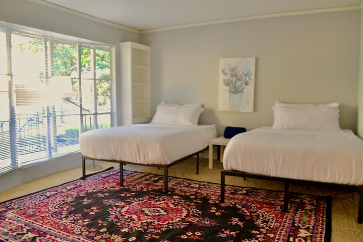 ♠Double Queens LUX♠ Suite With Free Parking&WiFi