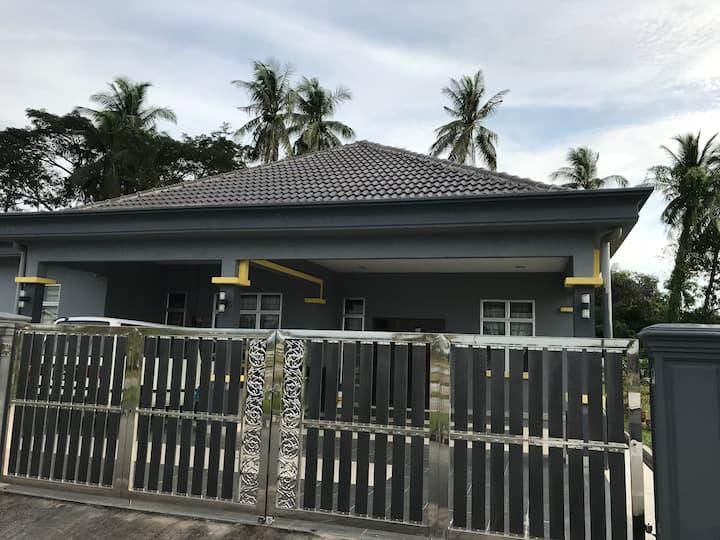 Rumah Kita: Muslims Homestay & Guesthouse