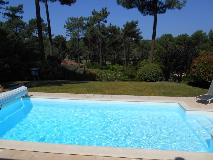 Villa de standing piscine privée chauffée 3ch