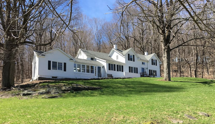 Secluded Farmhouse 10 acres   take  MetroNorth