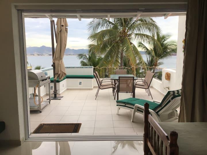 Puerto las Hadas Bonito condo con terraza