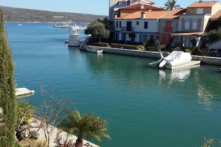 Alaçatı port da muhteşem manzaralı - Alaçati