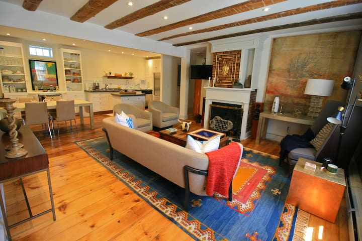 Berkshire / Hudson Charming Exposed Beam Home