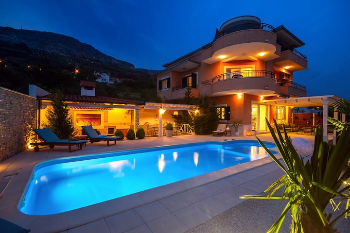 Villa ANITA with private pool,6 bedrooms, gym
