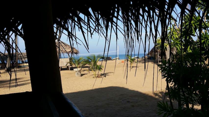 Dolphin village budget room on the beach free wifi - Kalpitiya - Diğer