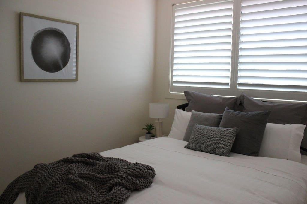 Light & Comfortable queen size beds!