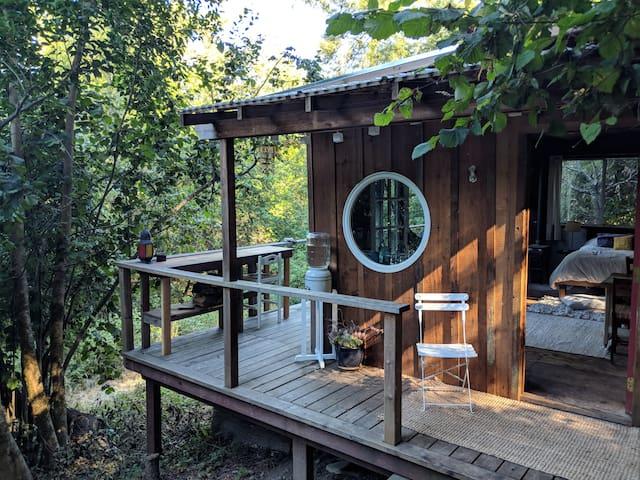 Foxhole Farm | Rustic Cabin Sanctuary