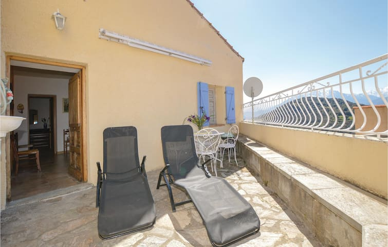 Holiday apartment with 4 bedrooms on 86m² in Pietralba