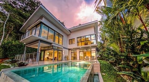 Villa 8: Terraces at San Martin