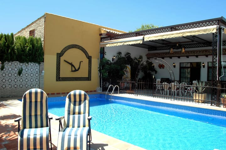 Rental villa in Ecija, Sevilla with private pool