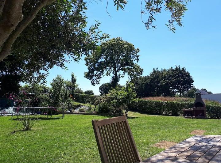 Maison Contemporaine avec bel espace Jardin