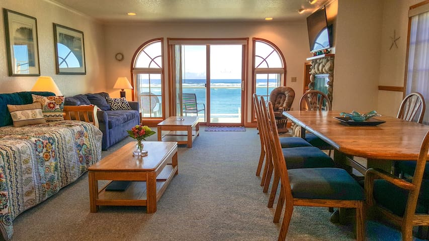 NEW listing! Ocean Views! - Tillamook - Departamento