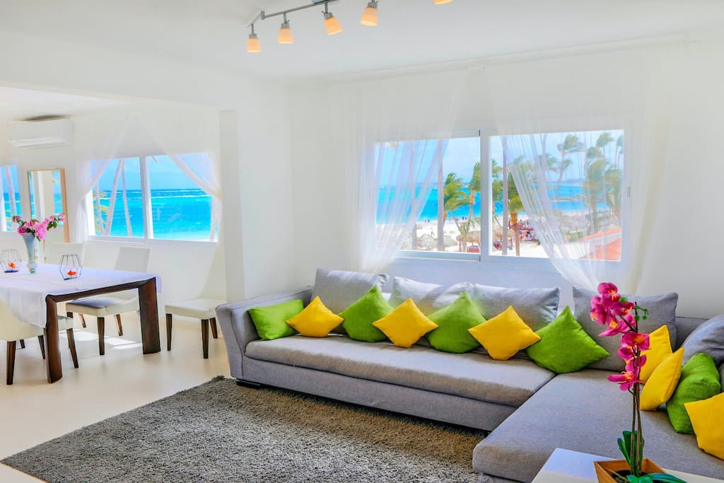 Comfortable sofa with best views in the area! So you can enjoy and rest. Book it now to have the best memories.