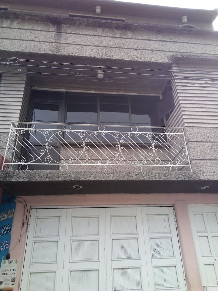 Casa 2 pisos 3 recamaras 4 camas exelente ubicación