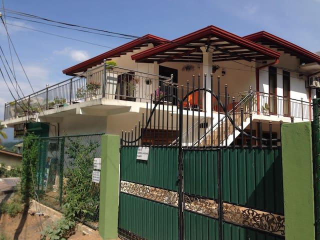 Nook Rest - Kandy - Apartment