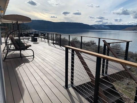 7 bays/Lake Rsvlt home-great views & beach access!