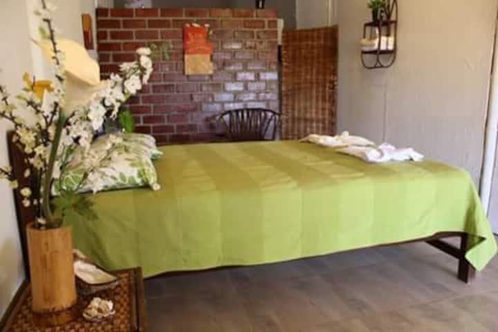 Habitación Matrimonial en Naylamp H&R, Las Pocitas