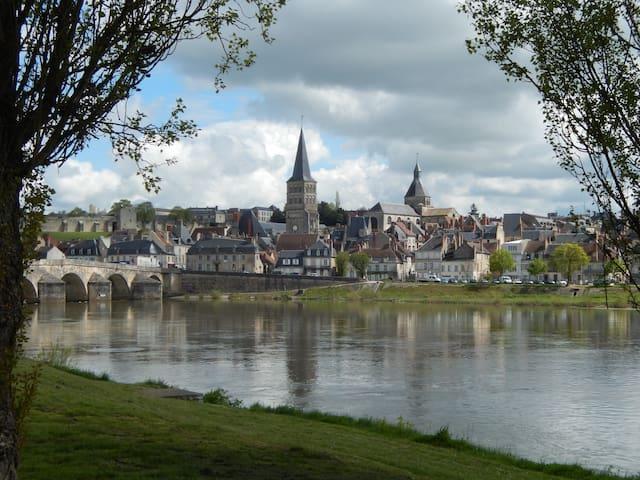 Maison dans zone naturelle à La Charité/ Loire - La Charité-sur-Loire