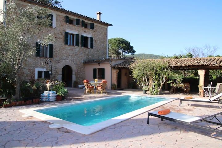 Encantadora casa con piscina para 6 personas