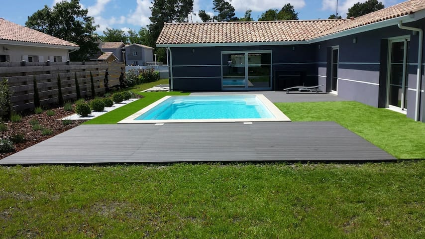 Villa avec piscine 500m lac de sanguinet - Sanguinet - House