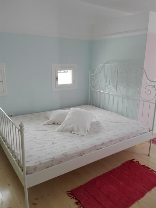 Άνετο διπλό κρεβάτι!