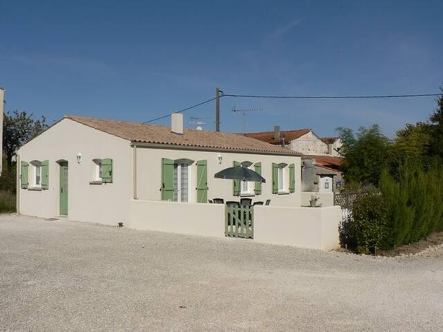2 gîtes indépendants au calme près de La Rochelle