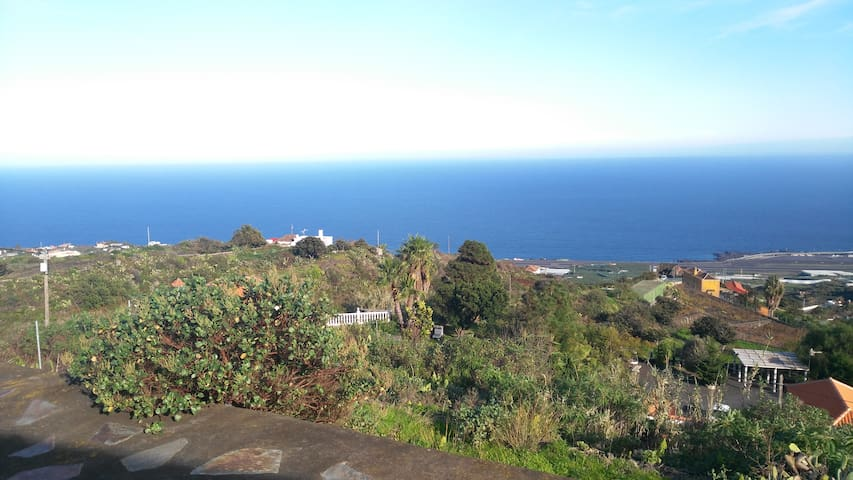 Spacious family house with wonderful views. - Villa de Mazo - Casa