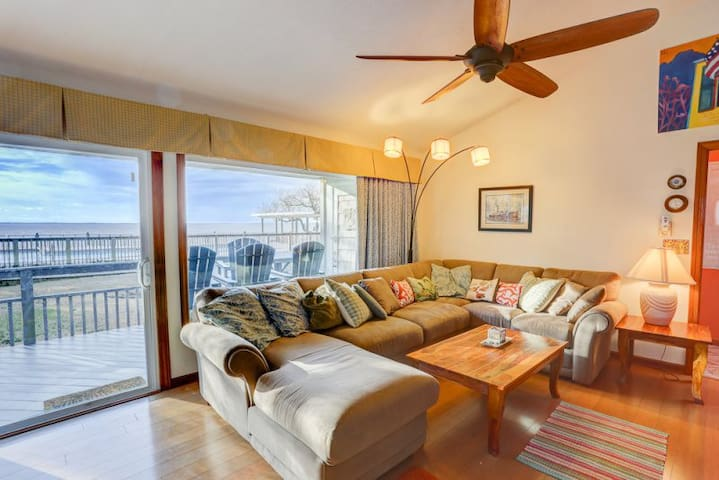PS-A* Portside Unit A* Soundfront*.5 mile drive to beach access*Community Pool