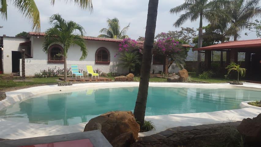 Preciosa Casa de Campo en Caluco - Caluco - Rumah