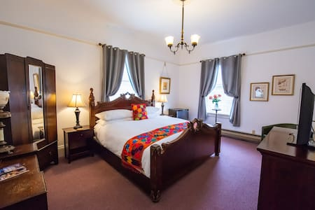 large king bed room #7