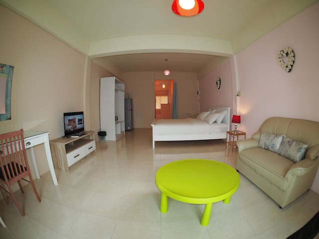 Spacious Studio Guesthouse- Ratchaburi City Center