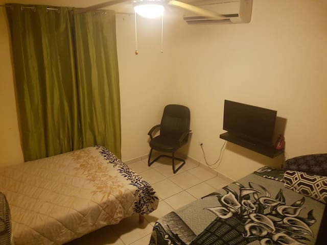 Habitación doble con alimentos. - Cabo San Lucas - Bed & Breakfast