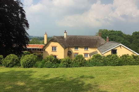 Beautiful farm house in peaceful Devon countryside - Stoodleigh