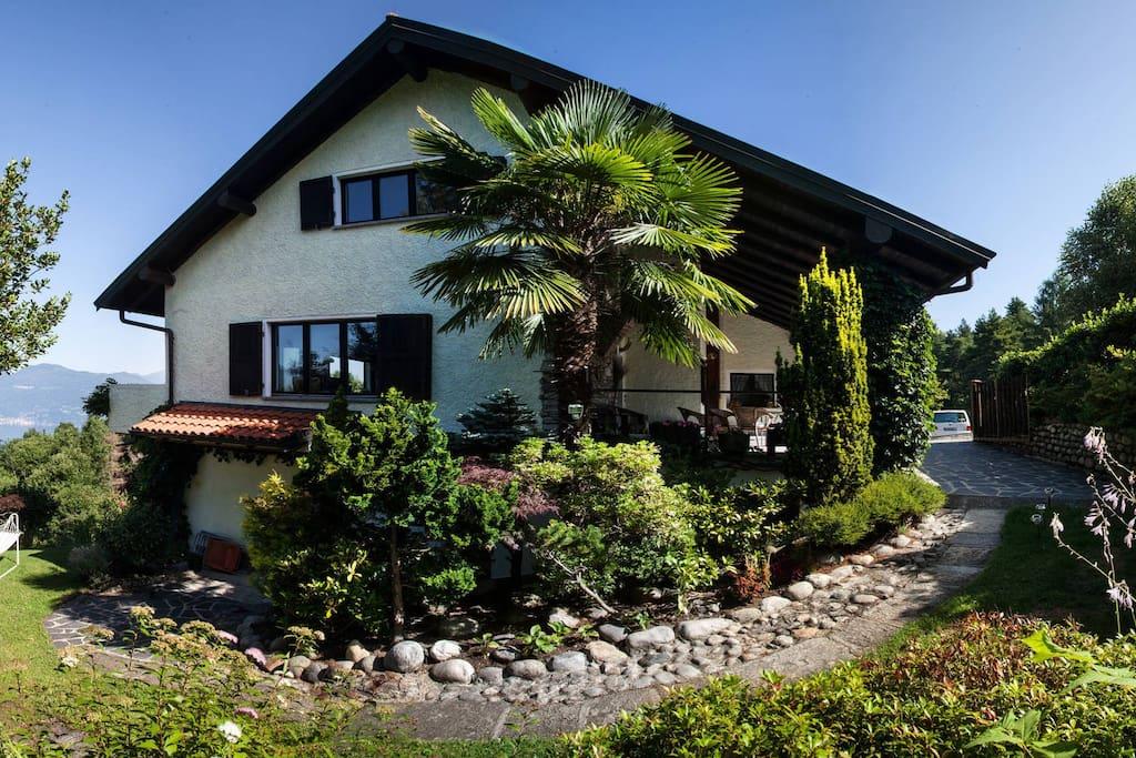 Casa lavendel appartamenti in affitto a montegrino lago for Piani casa 2 camere da letto piano piano aperto