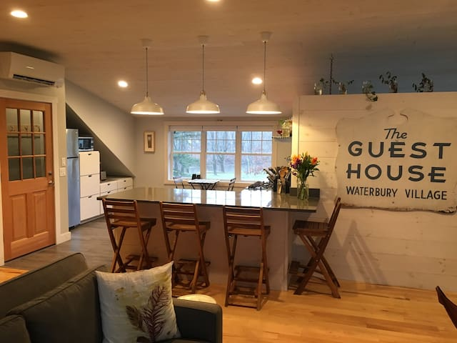 Modern Farmhouse Loft in Downtown Waterbury - Waterbury - Vindsvåning