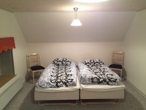 Stort værelse i rolige omgivelser