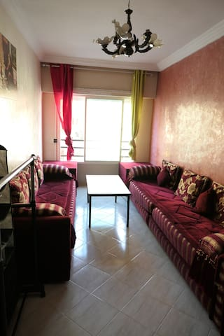 living room 2 couchage linge fournis