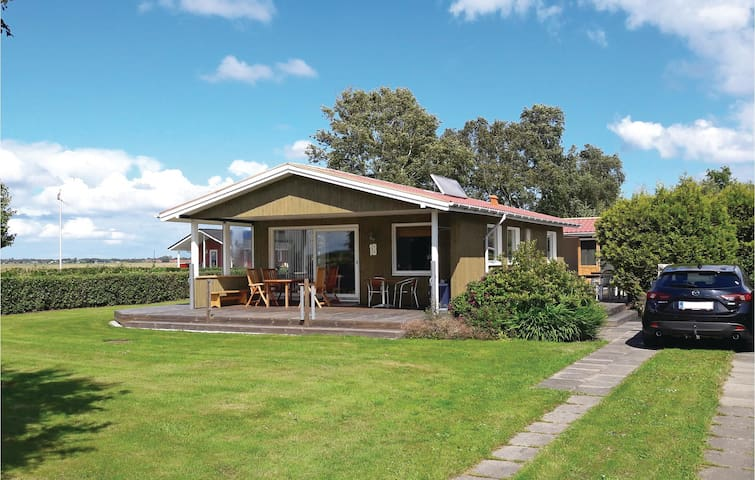 Holiday cottage with 2 bedrooms on 52m² in Storvorde