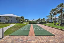 The resort provides plenty of entertainment, including shuffleboard and bocce.